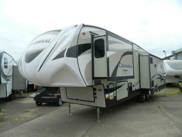 Coachmen Chaparral 336TSIK American 5th wheel,showmans,caravan,travel trailer,RV